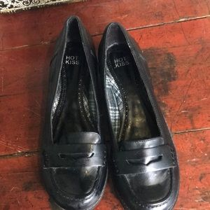 NWOB Black Leather penny loafers